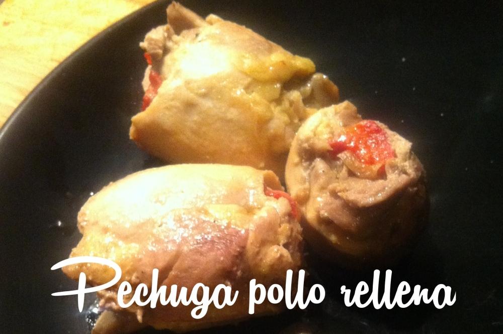 Pechuga de pollo rellena de pimiento asado y boletus
