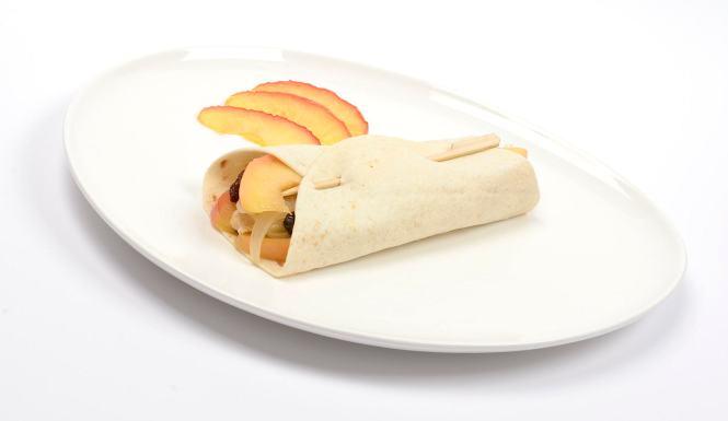 Fajita de pollo, manzana y cebolla caramelizada