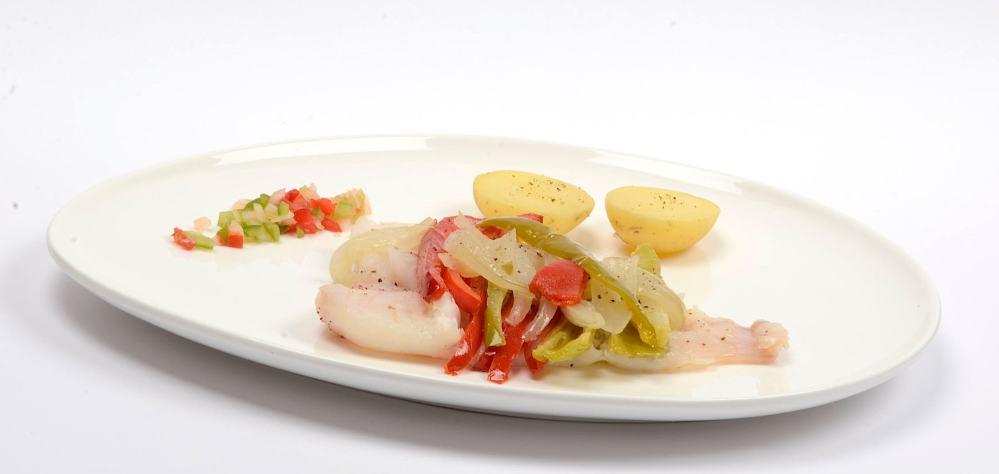Merluza o pescado blanco en papillote de verduras